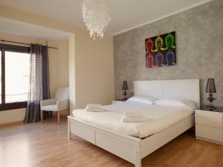 Lovely Apartment near Sagrada Familia 2.1, Barcelona