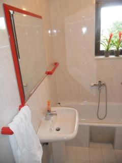 Bathroom n.1 with washing machine