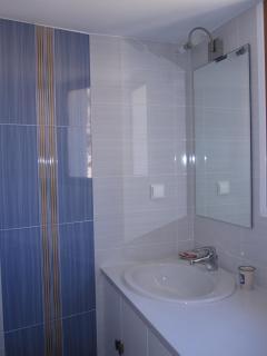 Modern Bathroom No 1