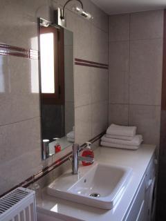 Modern Bathroom No 3