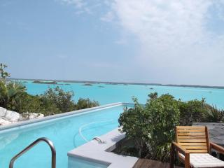 Chalk Sound Villa with Amazing Views, Private Cove, Providenciales