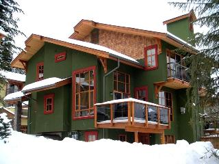 Trails Edge: Our Ski-In/Ski-Out Home away from Home, Sun Peaks