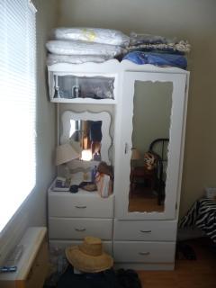 3rd bedroom's furniture...