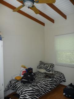 ceiling fan and a/c available