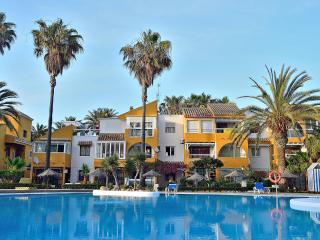 Holiday apartment rental just 50 metres from Roquetas de Mar beach
