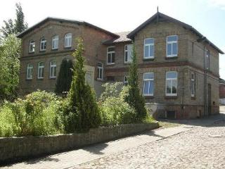 Vacation Apartment in Schwerin - 517 sqft, central, elegant, comfortable (# 4523)