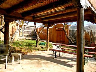 Adobe Hacienda studio, Ranchos De Taos