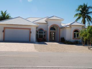 Beautiful Single Family Home in Key Colony Beach!