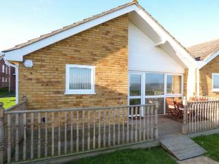 OCEAN VIEW, all ground floor, sea view, on-site facilities including a swimming pool in Corton Ref. 30580