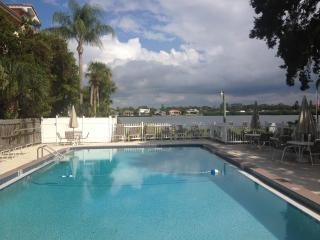Beautiful Siesta Key Condo. On the Water- Sarasota
