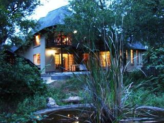 Kruger River Villa - Mtombo