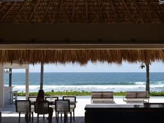Gorgeous Beach House & Lap Pool-Hola Ola, Puerto Escondido