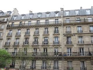 Lovely parisian appartment, Chaumontel