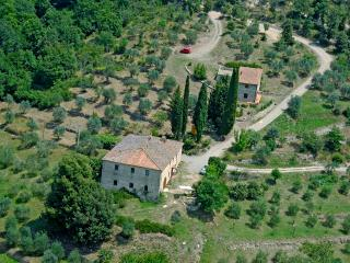 Traditional, independent house in the heart of Chianti