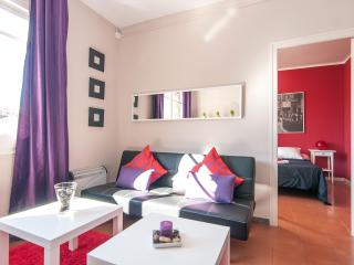 Spacious 4 bedroom near Arc de Triomf