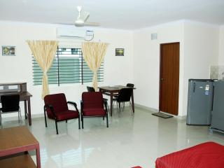 TULIPS HOMESTAY : A/C DELUXE STUDIO ROOM, A 3