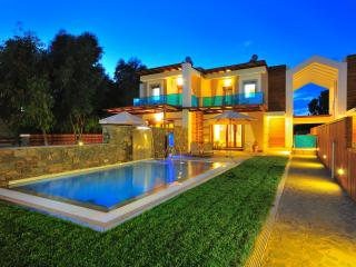 Horizon Line Villas - Luxury Villa - Private Pool, Kiotari