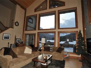Invitingly Furnished Secluded 5 Bedroom Private Home - 400 Whispering Pines Dr., Breckenridge