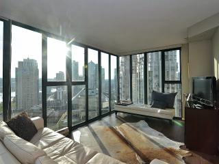 Terrific Downtown Vancouver 1 Bedroom Condo Walk to All Amenities