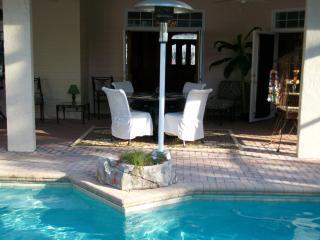 *****5 Star Luxury Estate, Pool w/rockfalls,Disney