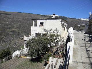 Self-Catering Flat in La Alpujarra for up to Four., Bubion