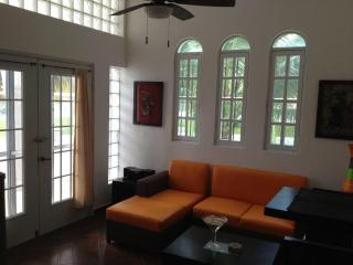 Las Palmeras Main Living Area