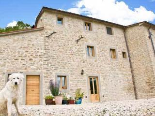 4 Bedroom Tuscan Farmhouse at Agriturismo il Capan