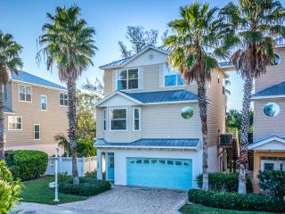 2-Car Garage Gulfview Beach House
