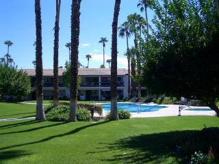 Lovely Palm Springs Condo