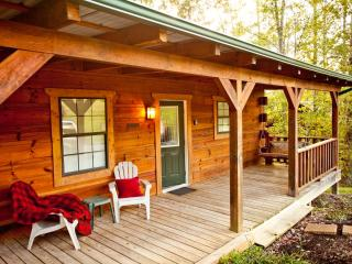 "Tellico Cabins "" Cowboy""  Log Cabin with Hot Tub, Tellico Plains"