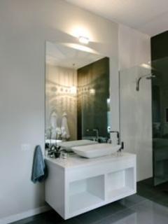 Studio Two bathroom