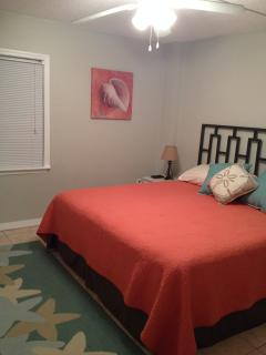 Guest Bedroom w/King Bed