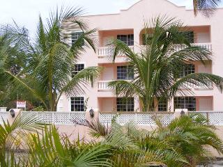 Lovely Condo 2 min from Beach in sunny Barbados