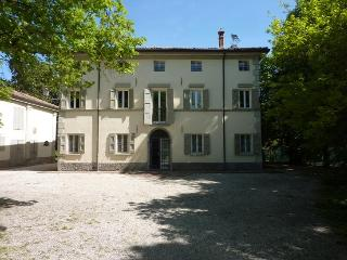 L'ORLANDINA - Prestigious Country Mansion, Own Par, Bologna