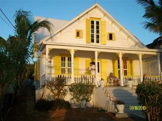 Charming Tropical Setting! Eleuthera, Bahamas!