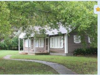 Primrose Creole Cabin - 'Cabin In The City', Natchitoches