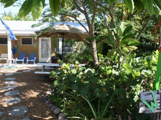 Studio located 50 yards from ocean, Unit 10, Grassy Key