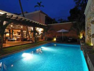 Avail New Years Week!! Luxe Villa Steps to Beach!!, Bucerías