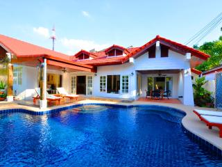 4 bed room luxury villa with private pool