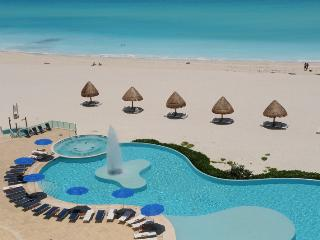 3-bedroom Beachfront Best Location, Cancun