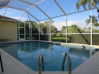 Beautiful Family Pool Home with Lake View, Naples