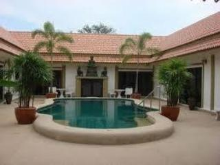 Beautiful bang sare just 90 minutes from bangkok (bang saray) sattahip 7 BEDROOM