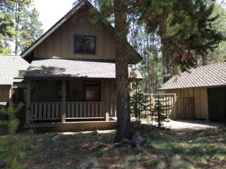Cozy and Liveable -  Beautifully Updated SR Home, Sunriver