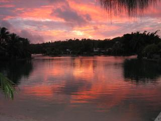 Sunset Lagoon, Port-Vila