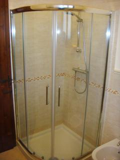 Cardellino apartment glass fronted corner shower