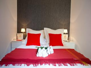 BEST rate LUXURY Goya SUITE in SOL, Madri