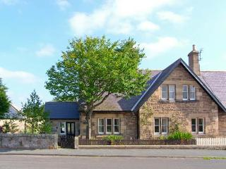 APPLETREE COTTAGE, character cottage in village setting, open fire, in Chatton