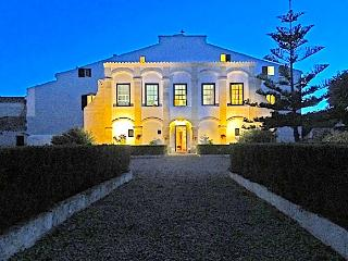 18th Century mansion on the East Coast - Sleeps 16, Es Castell