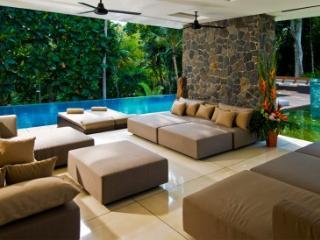 Luxury 5 bedroom in Canggu - Villa Niloufar