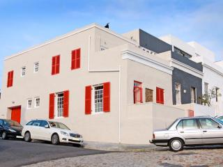 CHEZ MAX your luxury home in Cape Town, the house with the red shutters in historic the Bo Kaap